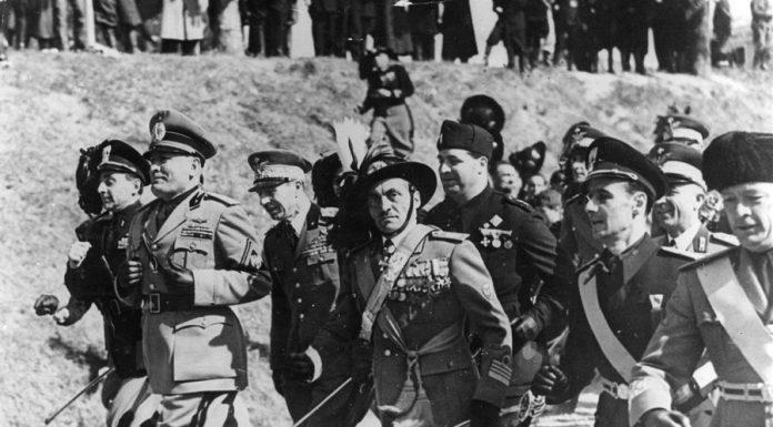 Mussolini di corsa, simbolo del rapporto tra sport e fascismo