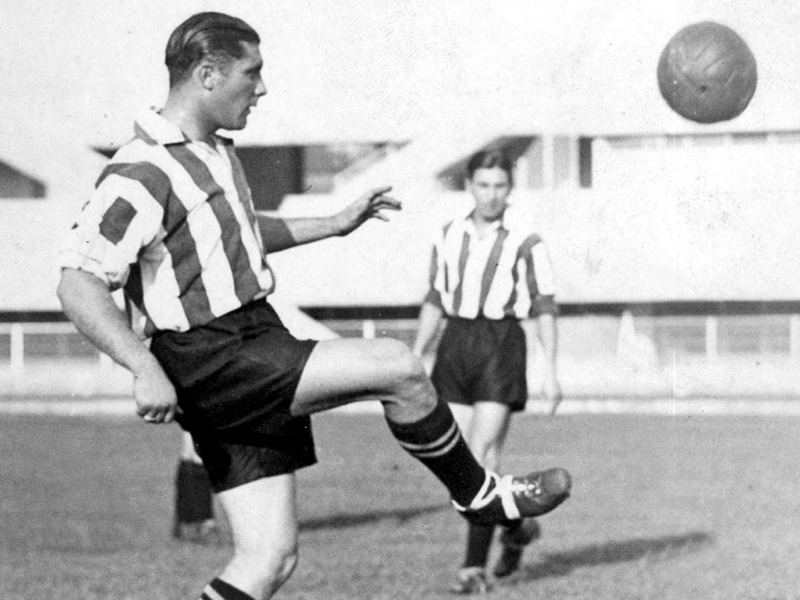 Giuseppe Meazza con la maglia dell'Ambrosiana-Inter