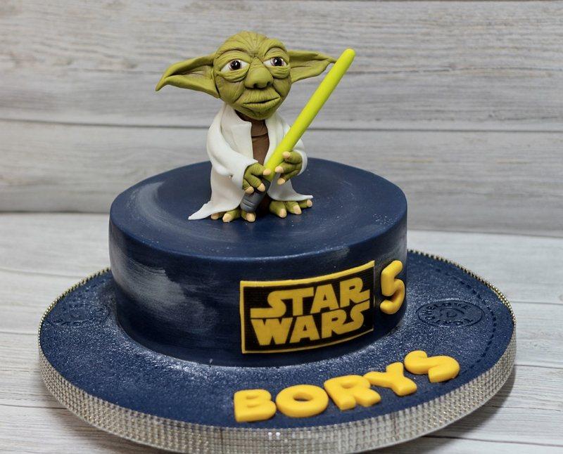 La torta di compleanno ispirata a Star Wars