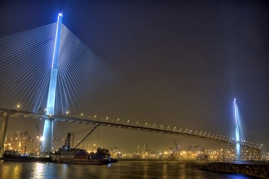 Il Ponte Stonecutters (foto di Edward Wong via Flickr)