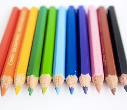 Alla scoperta dei colori caldi e freddi grazie alle matite