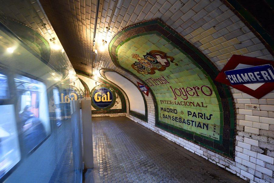 La stazione della metropolitana fantasma di Chamberí a Madrid (foto di Tim Adams via Flickr)