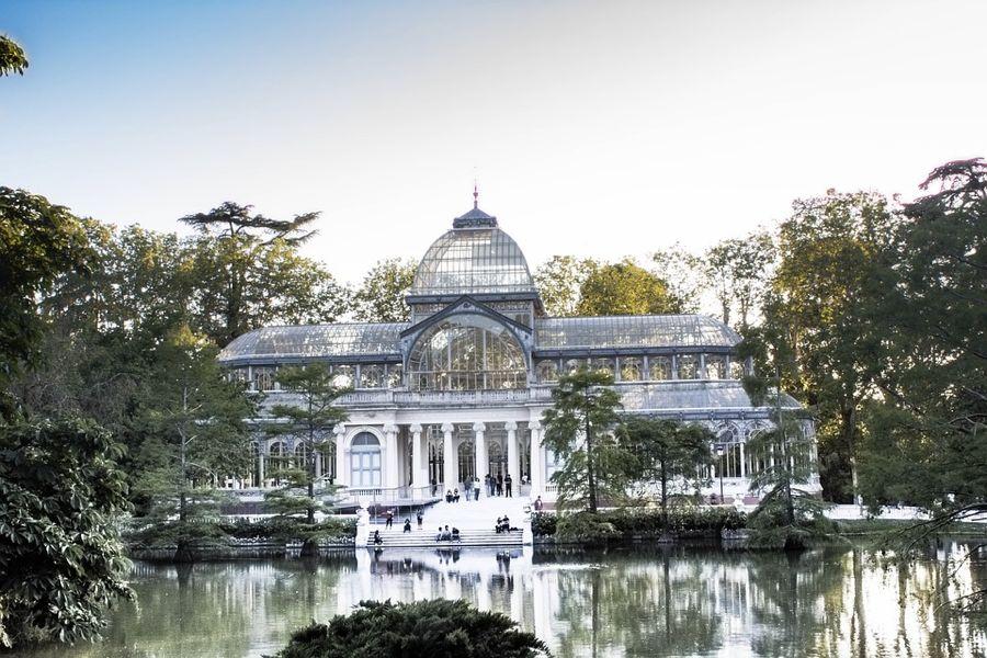 Il Palazzo di Cristallo nel Parco del Retiro a Madrid