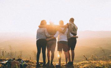 Come scrivere un tema sull'amicizia