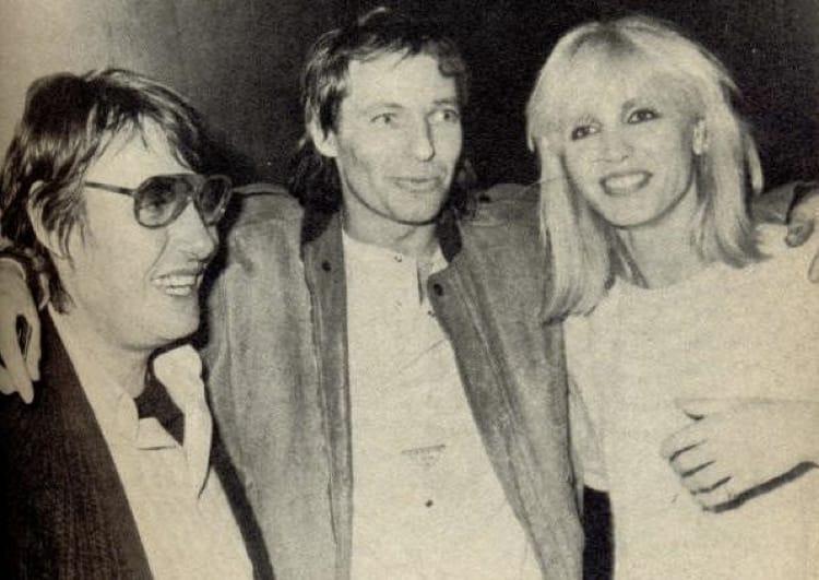 Vasco Rossi con Fabrizio De André e Dori Ghezzi nel 1984, quando i due artisti lo visitarono in carcere