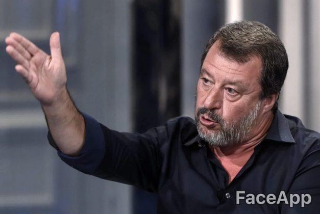 Matteo Salvini con qualche pelo di barba bianco in più