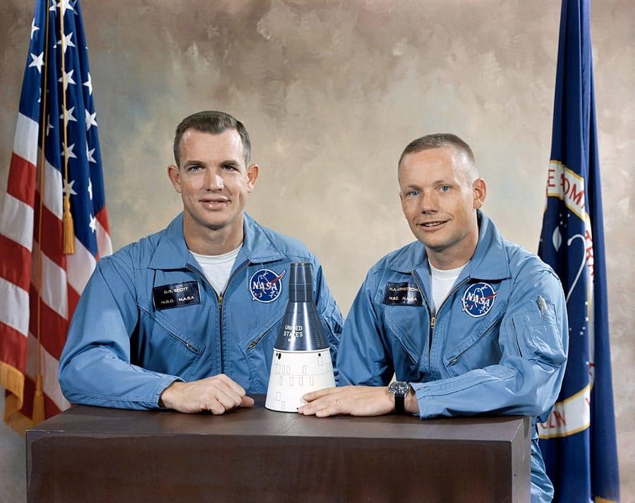 David Scott (a sinistra) e Neil Armstrong (a destra), l'equipaggio della missione Gemini 8