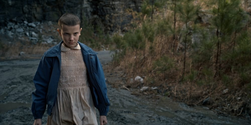 Millie Bobby Brown nei panni di Undici nella prima stagione di Stranger Things