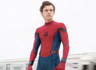 Tom Holland nei panni di Spider-Man