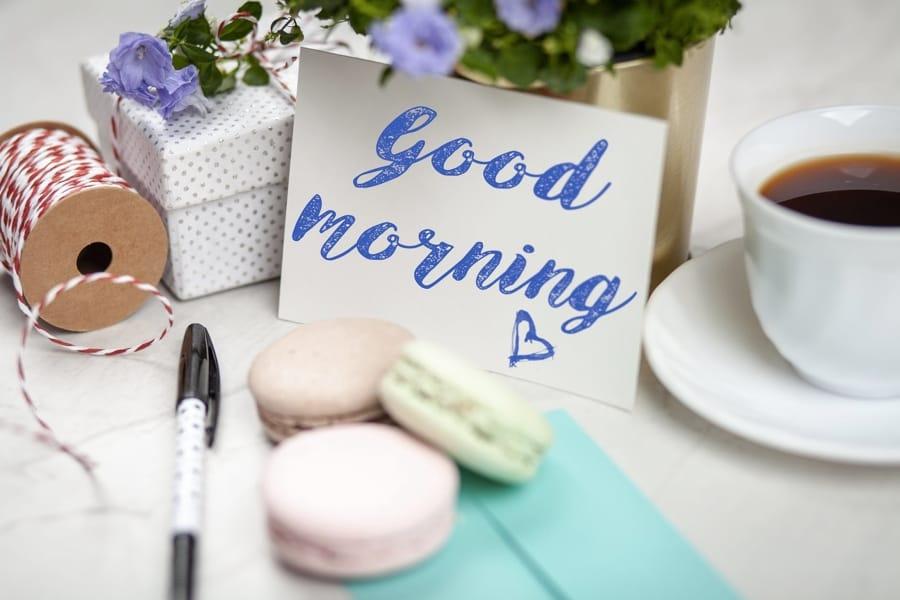 Buongiorno con caffè e macaron