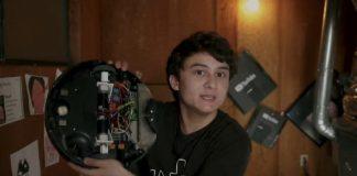 Michael Reeves, il giovane modificatore del robot aspirapolvere