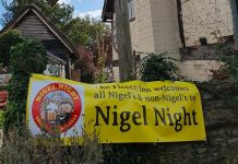 La Nigel Night nel pub inglese The Fleece