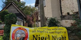 La Nigel Night nel pub inglese The Fleece