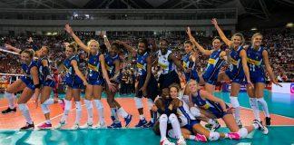 Le ragazze della Nazionale femminile di pallavolo vincenti sulla Russia