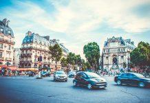 A Parigi si studia il modo per multare le auto che fanno troppo rumore