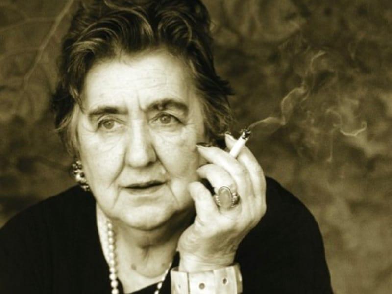 Alda Merini (foto di Giuliano Grittini via Wikimedia Commons)