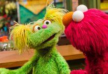 Karli con Elmo di Sesame Street