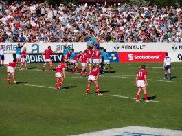 La Nazionale canadese di rugby impegnata contro l'Uruguay durante i play-off per i Mondiali (foto di NaBUru38 via Wikimedia Commons)