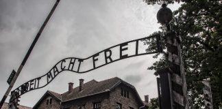 Il famigerato ingresso di Auschwitz
