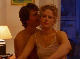 Tom Cruise e Nicole Kidman in Eyes Wide Shut, uno dei più famosi film erotici