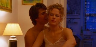Tom Cruise e Nicole Kidman in Eyes Wide Shut, uno dei più famosi film erotici