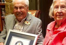 John e Charlotte che festeggiano gli 80 anni di matrimonio