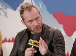 Jude Law durante l'intervista di Kevin Smith