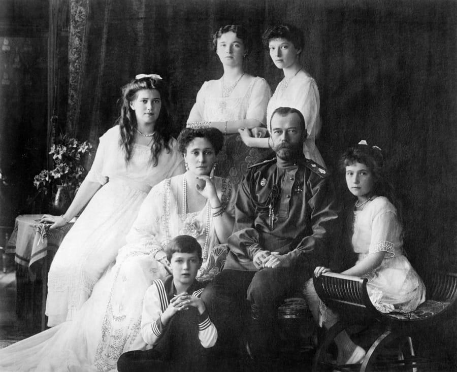 Anastasia Romanov con la famiglia imperiale di Nicola II