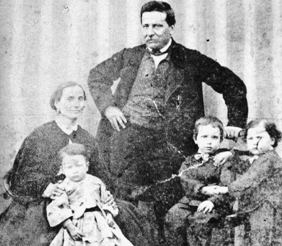 La famiglia d'origine di Giovanni Pascoli