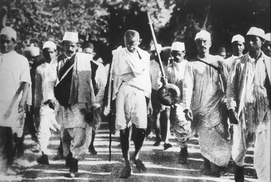 La marcia del sale di Gandhi nel 1930