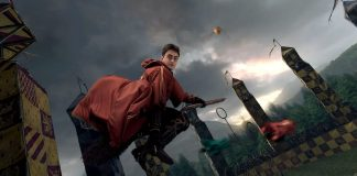 Harry Potter mentre gioca a Quidditch