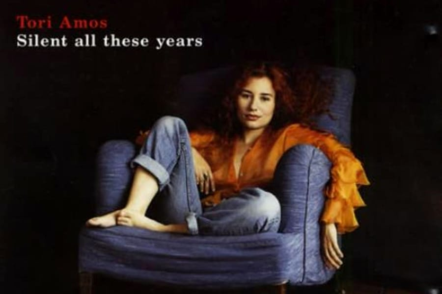 Tori Amos sulla copertina di After All These Years