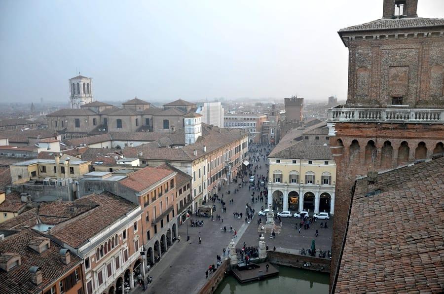 Il centro di Ferrara visto dal Castello Estense