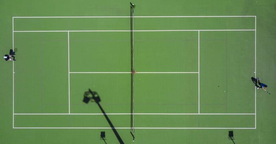 Il campo da tennis visto dall'alto