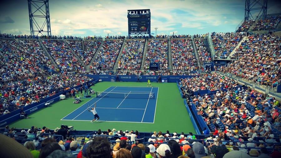 Una partita di tennis al momento sullo 0-15